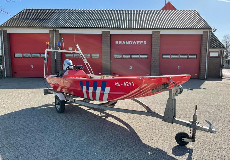 Brandweer hulpboot  08-4211
